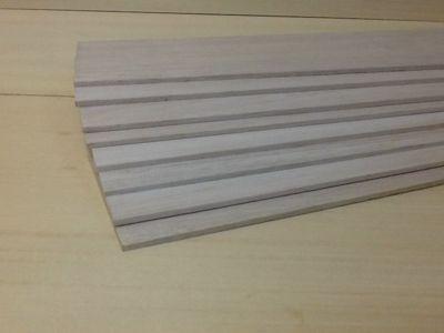 Produtos em Destaque: LAMINA DE BALSA 2AA DE 5 X 100 X 930 /915 PCT C/ 8 UNID